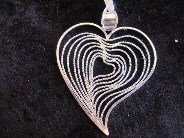 Coração de Viana em prata. Trabalho de filigrana manual de designer