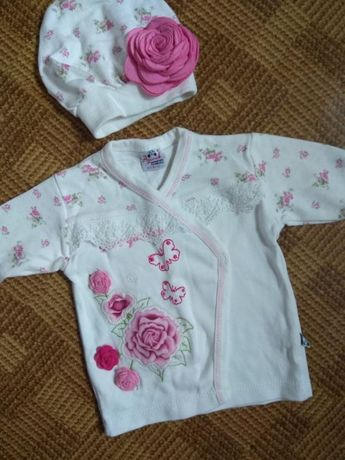 нарядный набор распашонка шапочка Agucuk baby wear возраст 0-3мес