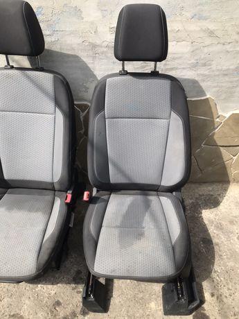 Салон сиденье Ford Escape 2017 сидуха диван форд ескейп эскэйп подушка