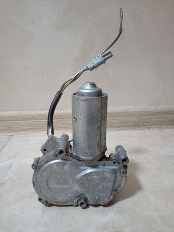 Моторчик склоочисника (задній) Bosch 86AB-17404-A1C для Ford Escort lV