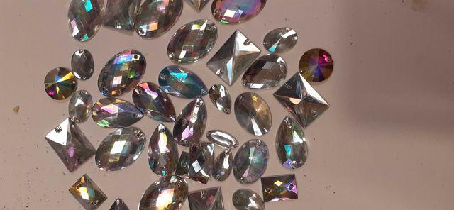 dżety sztrasy kryształki tęczowe do szycia odzież torebki biżuteria