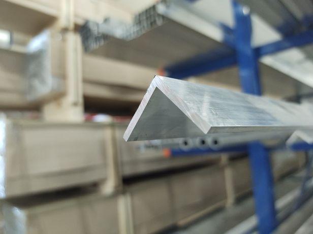 Kątownik aluminiowy 30x30x3 PA38, narożnik schodowy,