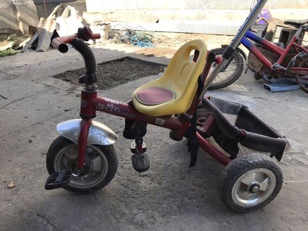 Продаётся детский велосипед и самокат