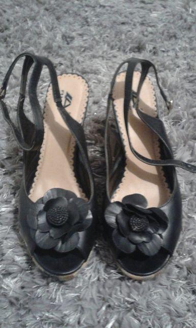 Sandały damskie na koturnie rozm. 38