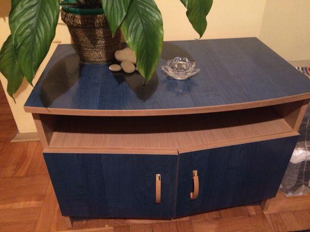 Niebieska szafeczka