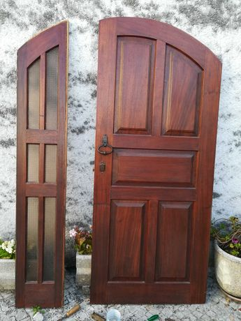 Porta - com lateral com vidros martelados