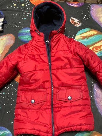 Продаю куртку на мальчика 116см