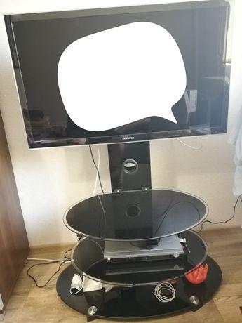 Stolik szklany na tv