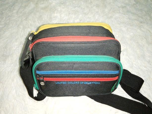 Saco Benetton para máquina fotográfica
