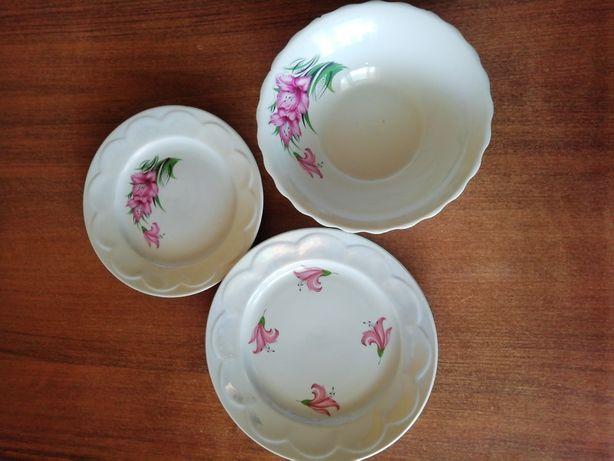 Посуд, набір на 12 осіб, комплект, тарілки, чашка, заварник