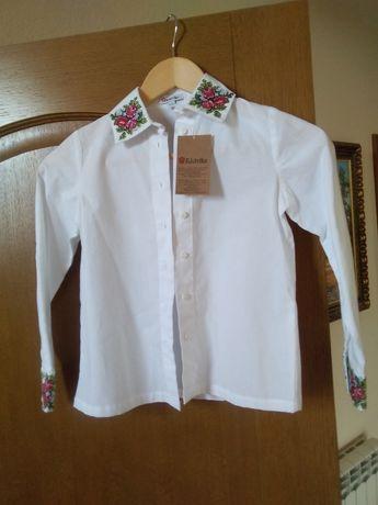 Детская рубашка для девочки с вышивкой. 100% хлопок. 122 рост.