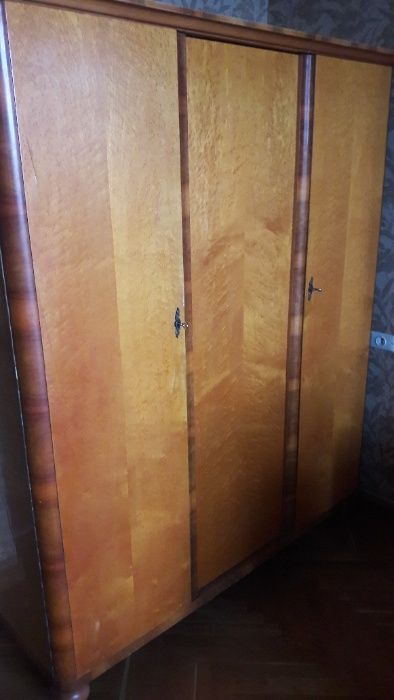 продам шкаф из дерева Киев - изображение 1