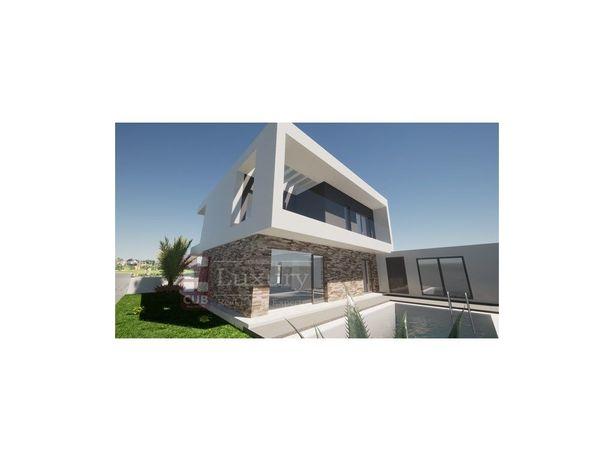 Moradia V4 - Arquitetura Moderna - Quintinhas - Charneca ...