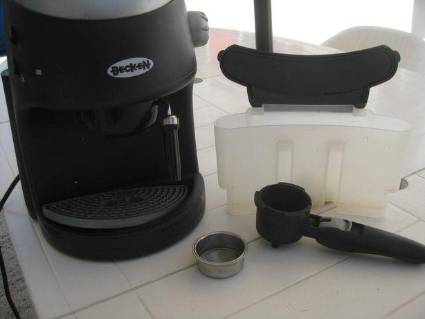 Maquina de café em excelentes condições