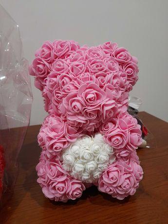 Miś z róż 25cm + gratis