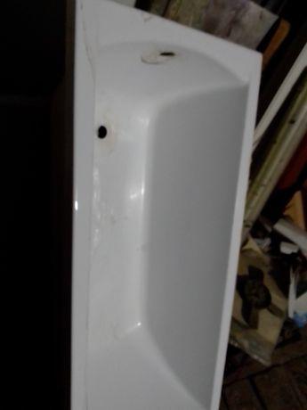 Ванна RAVAK новая с небольшим дефектом