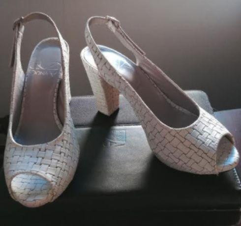 Sandálias Senhora Dona V (novas)
