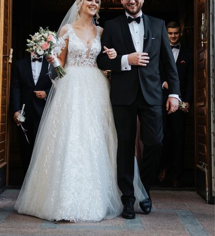 Suknia ślubna z welonem Ariamo Collection, model Lexie La Provance