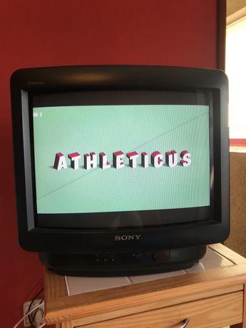 "Televisão Sony Trinitron 14"" / 35cm retro gaming"