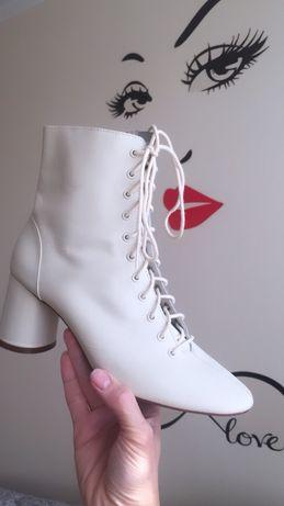 Ботильоны на шнуровке , ботинку, туфли Zara