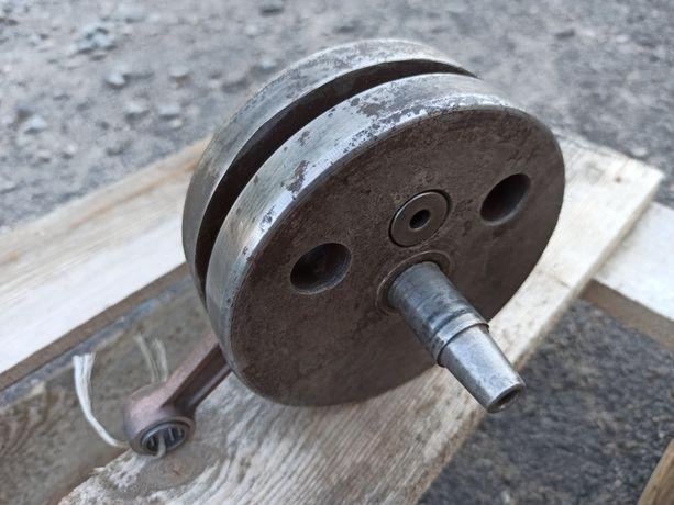 Совдеповский коленвал минск 12в, с современным шатуном