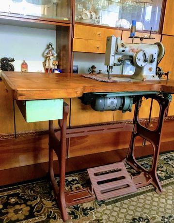 Швейная промышленная машина класс 26 (зиг-заг)