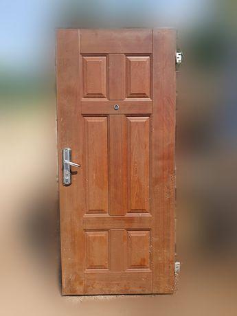 Sprzedam drzwi wejściowe