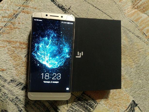 телефон Le P4ro3 LEX722
