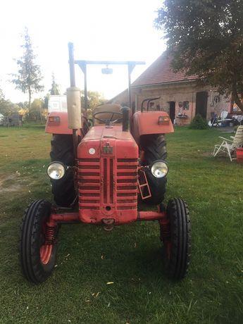 Traktor Mc Cormick D 439