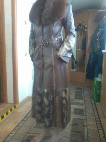Продам женское кожаное пальто