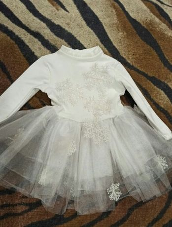 Продам платье снежинки