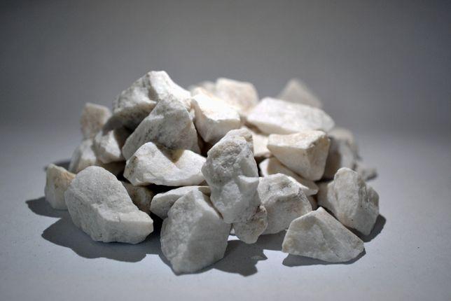 Grys śnieżnobiały marmurowy otoczak kora kamień ogród transport