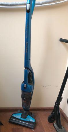 Продам б/у Пилосос ручний для дома Philips PowerPro Aqua FC6408/01