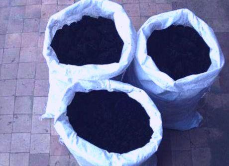 Чернозем торф сыпец перегной коровий навоз грунт глина земля