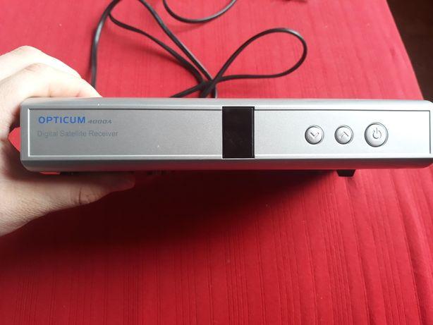 Sprzedam szary dekoder opticum 4000 a digital satellite receiver