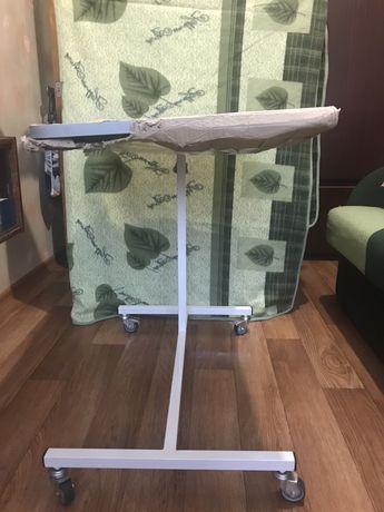 Продаётся прикроватный стол для лежачих больных