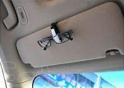 Держатель очков в авто