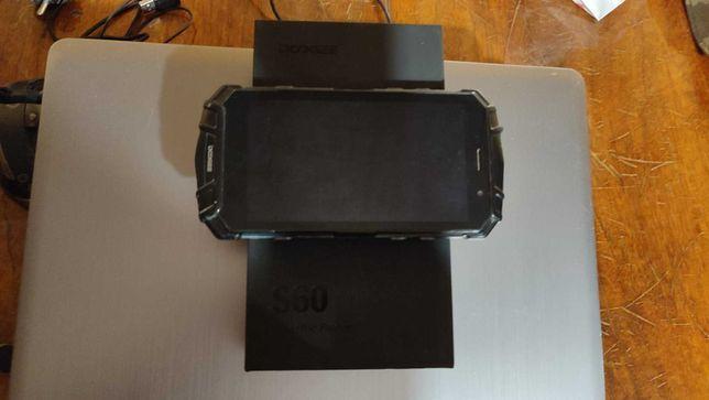 Противоударный телефон Doogee S60 6/64GB