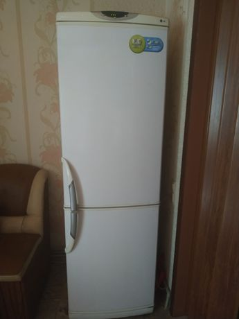 Холодильник LG, стиральная машина LG
