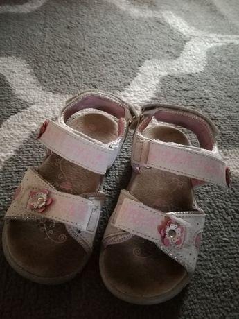 Sandały dziewczęce 28