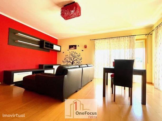 Apartamento T2 em zona central de São João da Madeira