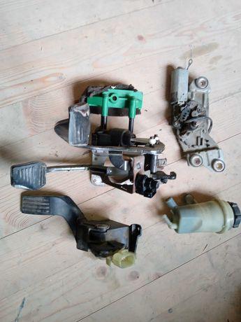 Педаль газу,супорт,радиатор печки,руль,Форд фокус ford fokys1.8диз