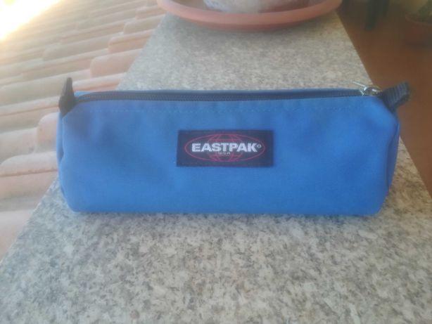 Estojo Eastpak Azul