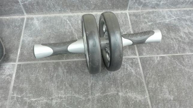 Przyrząd, kółka, koło do wzmocnienia mięśni brzucha