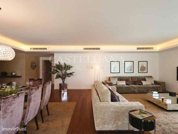 Apartamento com varandas e acabamentos de alta qualidade ...