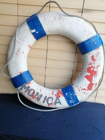 Bóia marítima antiga