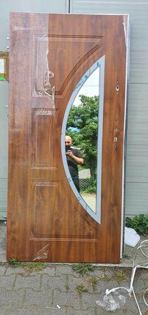 Nowe drzwi zewnętrzne z szybą prawe lewe złoty dąb