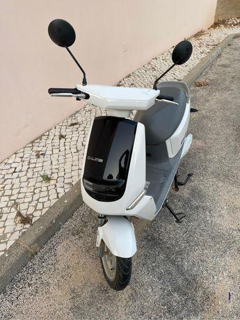 Moto Scooter Eletrica YADEA C-LINE