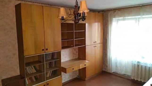 Сдается 1-комнатная квартира на длительный срок оплата 1000+комуналка