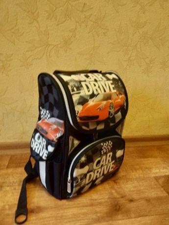 Продам ортопедический рюкзак - ранец каркасный для мальчика.